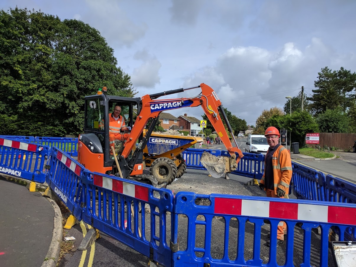 Replacing water pipes in South Lane, Clanfield