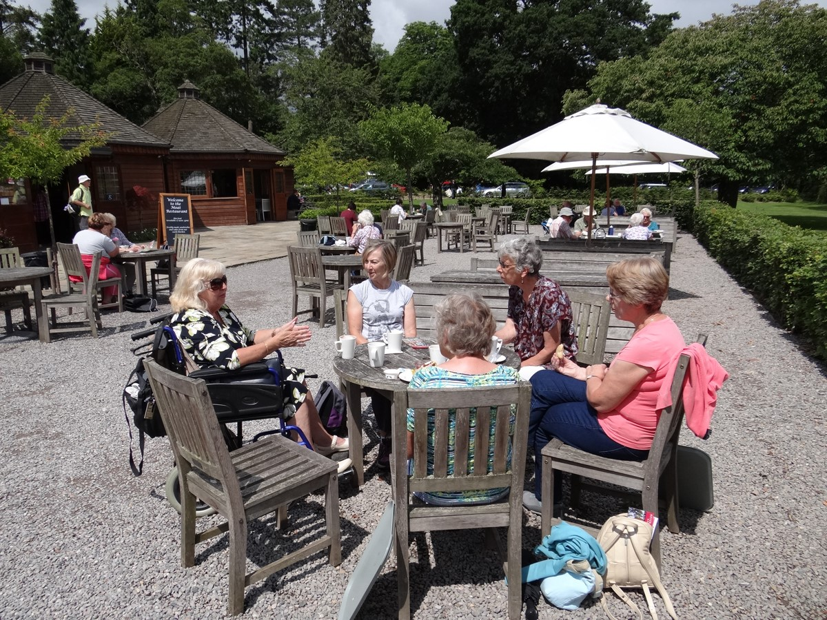 Hever Castle - Taking a break