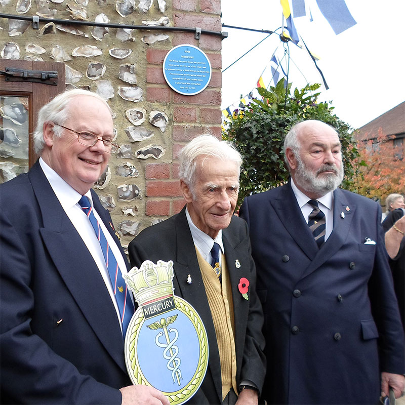 HMS Mercury Blue Plaque Scheme pays tribute to The Rising Sun