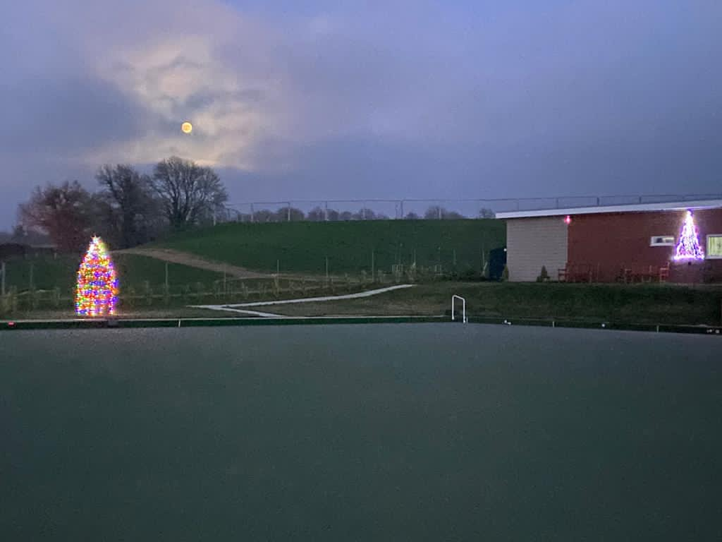 Lights sparkle at Clanfield Bowls Club